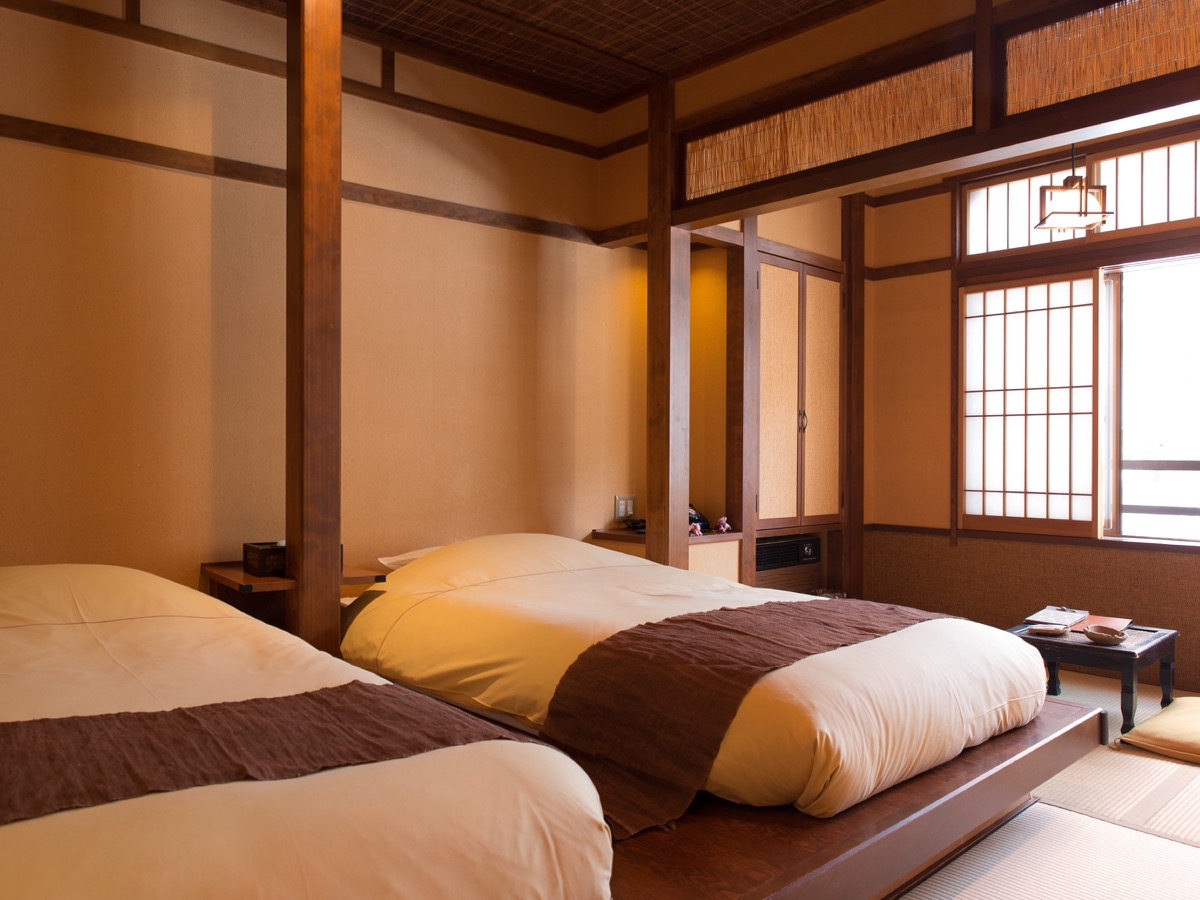 Onsen ryokan equipped with beds and western style meals for Western style beds