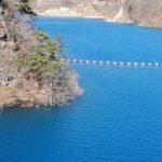 真っ青な奥四万湖