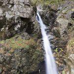 摩耶の滝は摩耶姫伝説が伝わる四万温泉の滝
