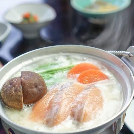 鮭と根菜の粕汁鍋