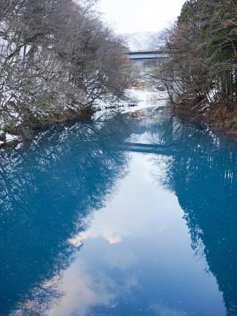 四万ブルー桃太郎の滝