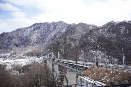 八ッ場ダムを渡る立派な橋