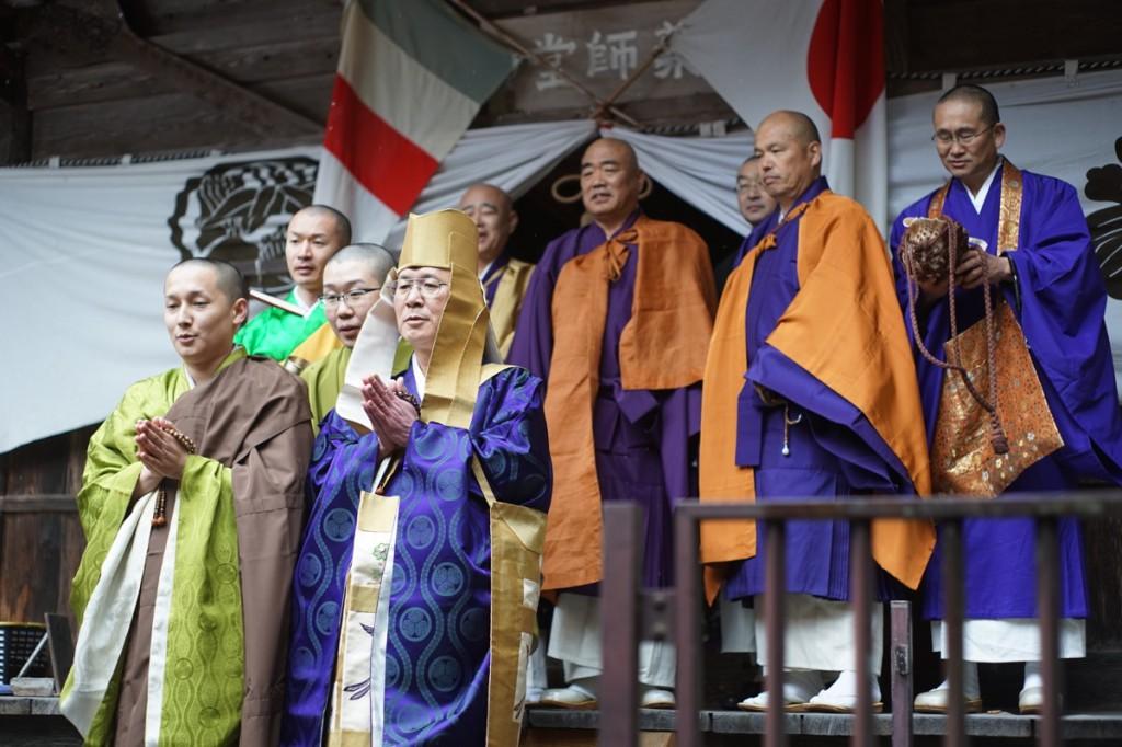 宗本寺のご住職など僧侶