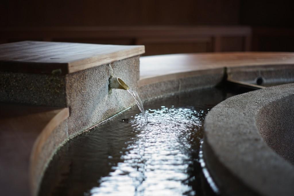 ゆずりは足湯飲泉所