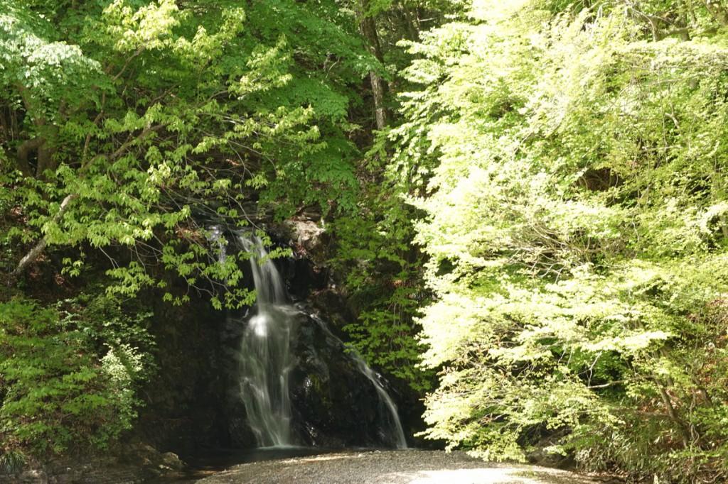 桃太郎の滝 四万温泉