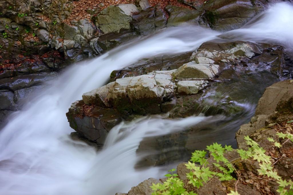 魚止めの滝 反下川