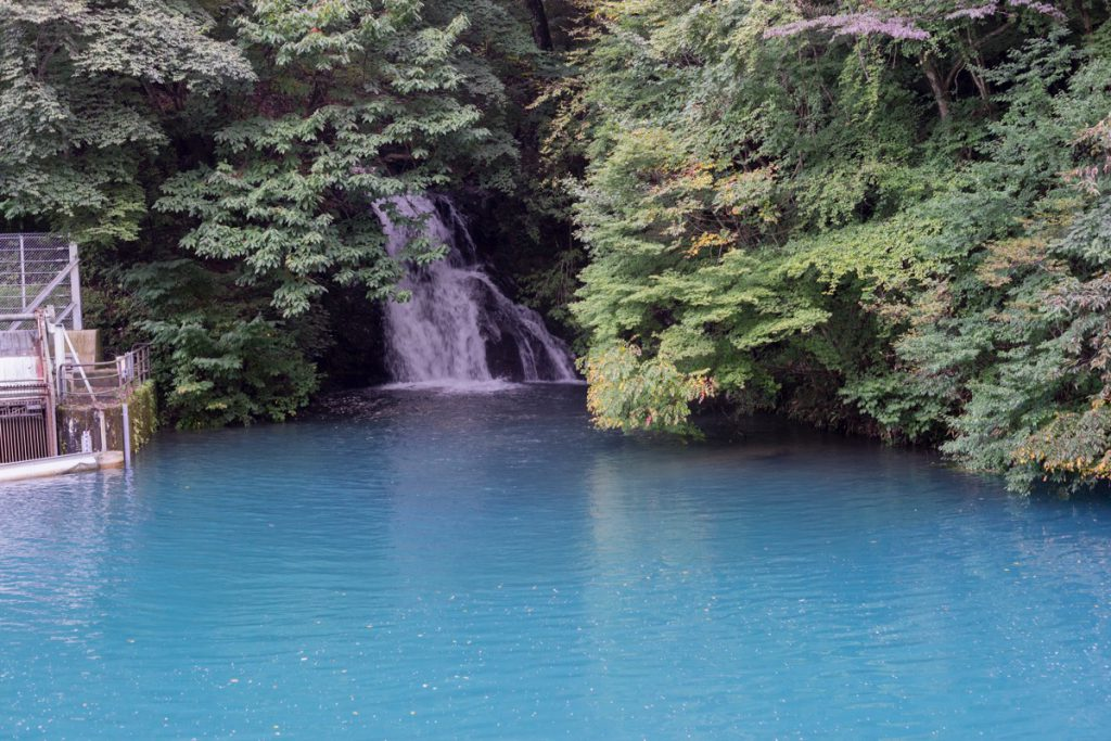 雨上がりの桃太郎の滝