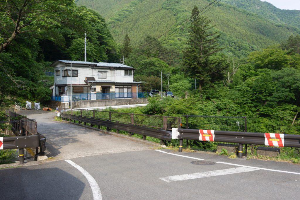 秋鹿林道入口