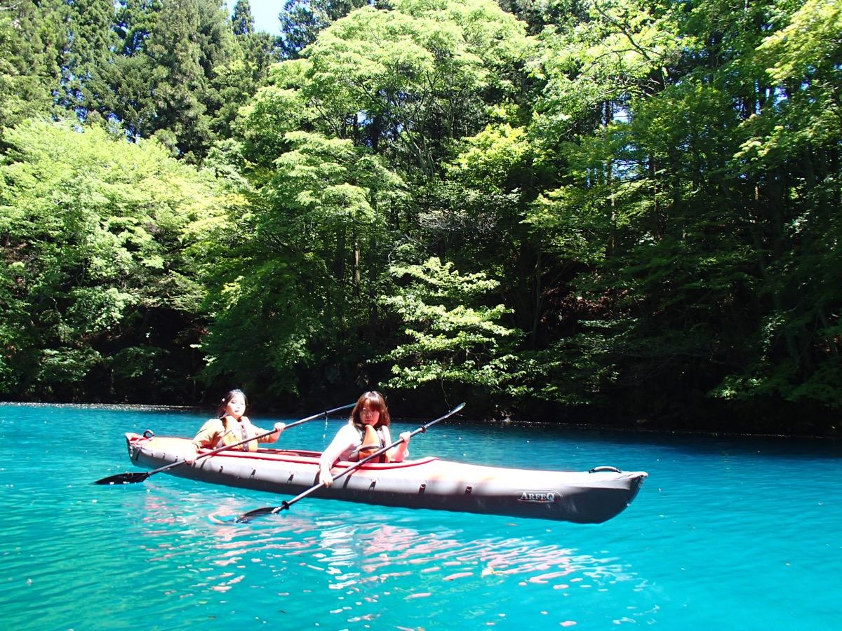 Canoe on Shima Lake