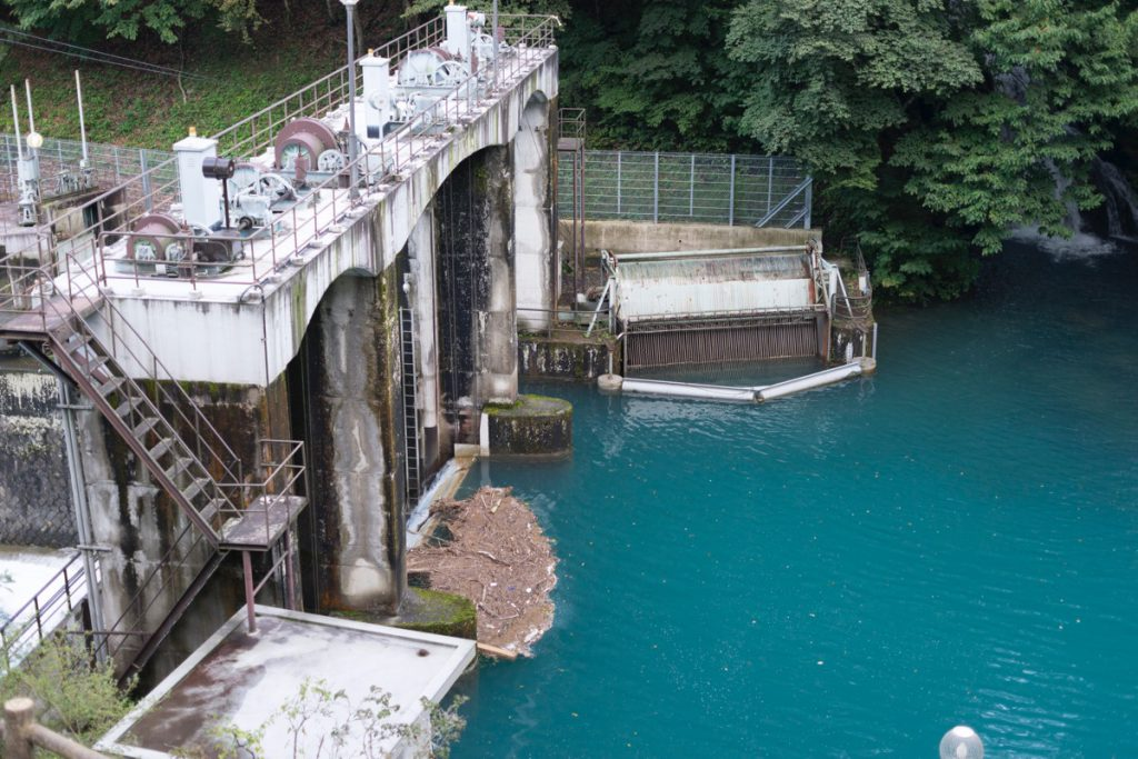 四万発電所取水ダム