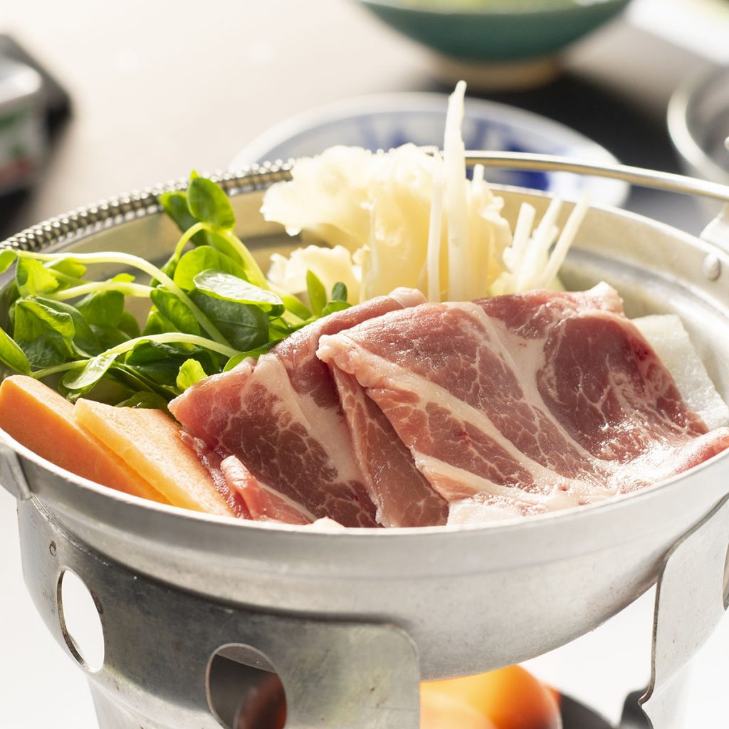 群馬野菜と冬瓜、群馬田舎豚の新生姜黄金出汁仕立て