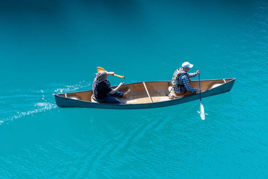 四万湖でカヌー