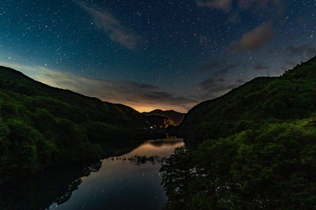 奥四万湖の星空