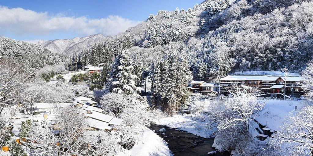 SnowInShimaOnsen