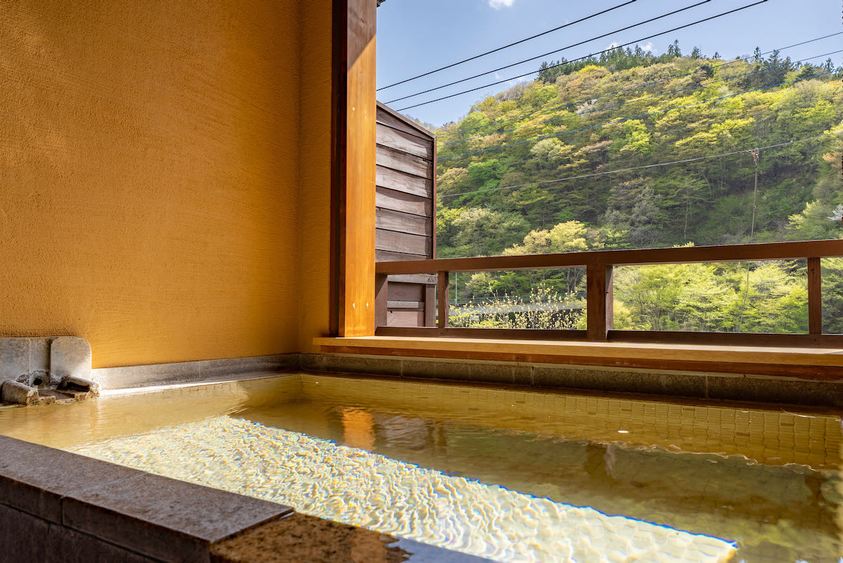 Onsen bath of Hana room