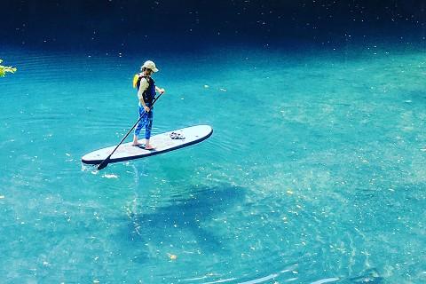 いま、話題の【SUP体験プラン】四万湖で水上散歩